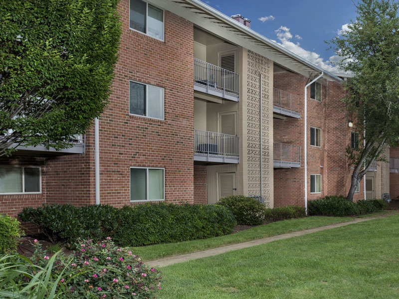 Chestnut Hill Apartments